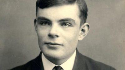 کامپیوتر توسط چه کسی اختراع شد : آلن تورینگ